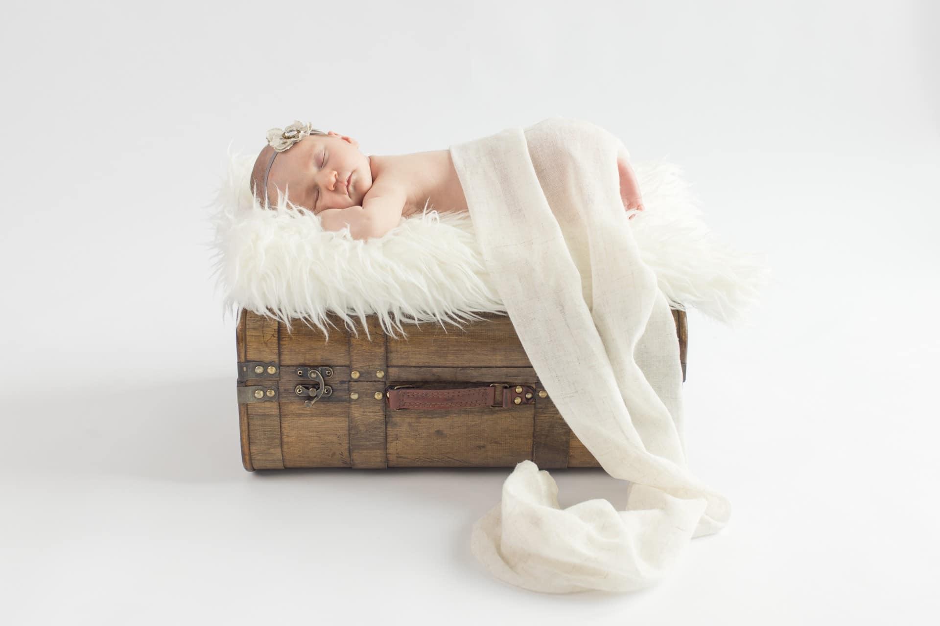 133-Tania-Flores-Photography-Babyfotos-QEa4RlEF
