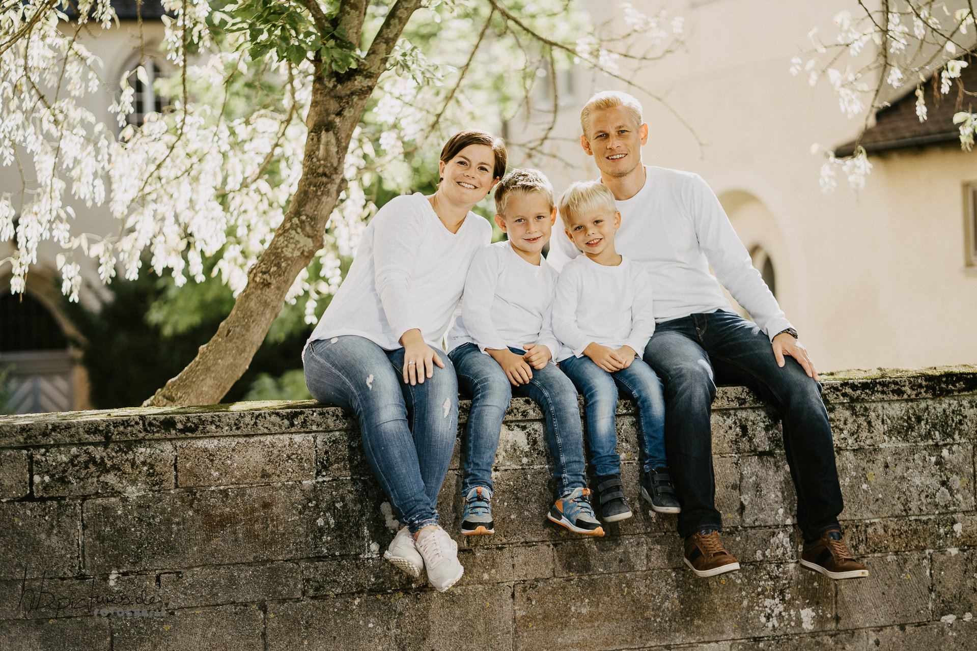 855-Fotostudio-BRENDEL-Familienfotos-GCj3xK18