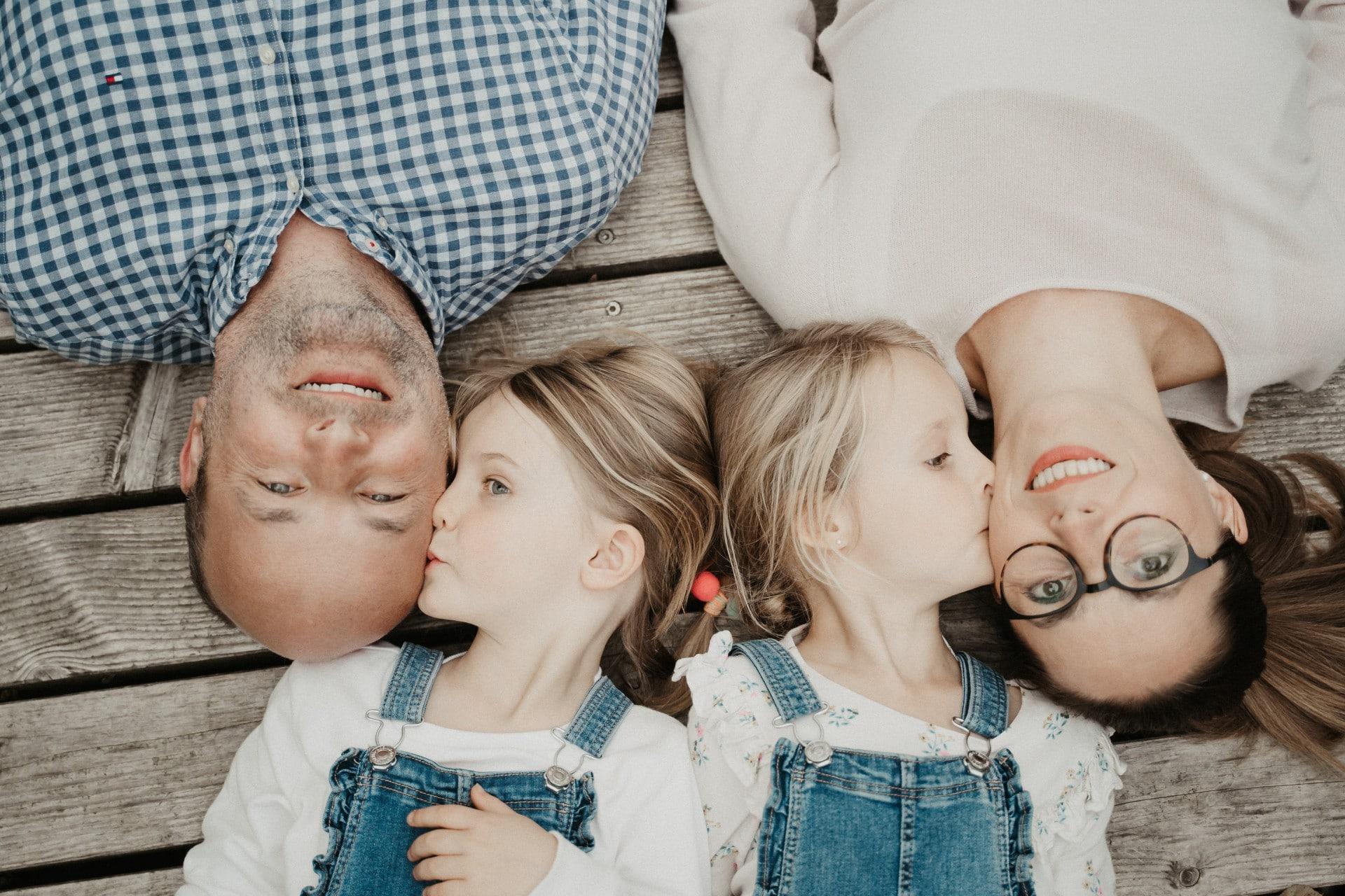 855-Fotostudio-BRENDEL-Familienfotos-V697yLrK