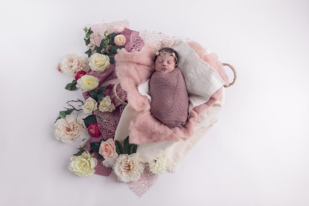 133-Tania-Flores-Photography-Babyfotos-PbdwQ2tu